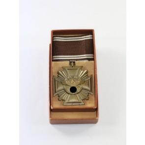 NSDAP Dienstauszeichnung in Bronze, Hst. 8, Cupal, im Etui