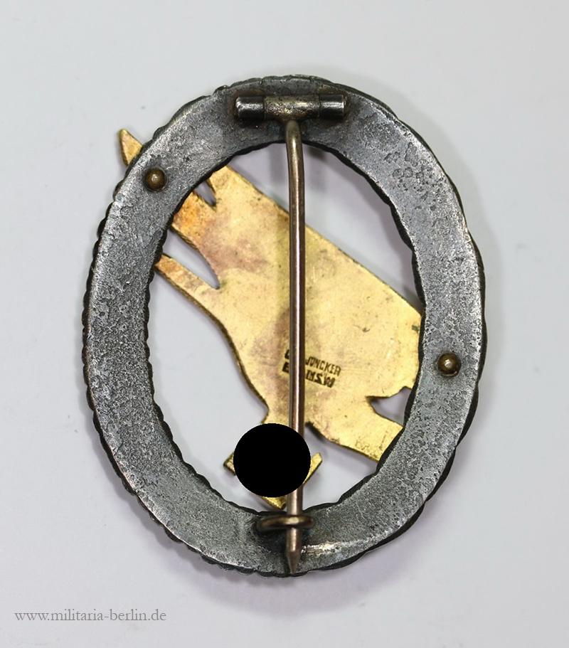Fallschirmschützenabzeichen Rückseite