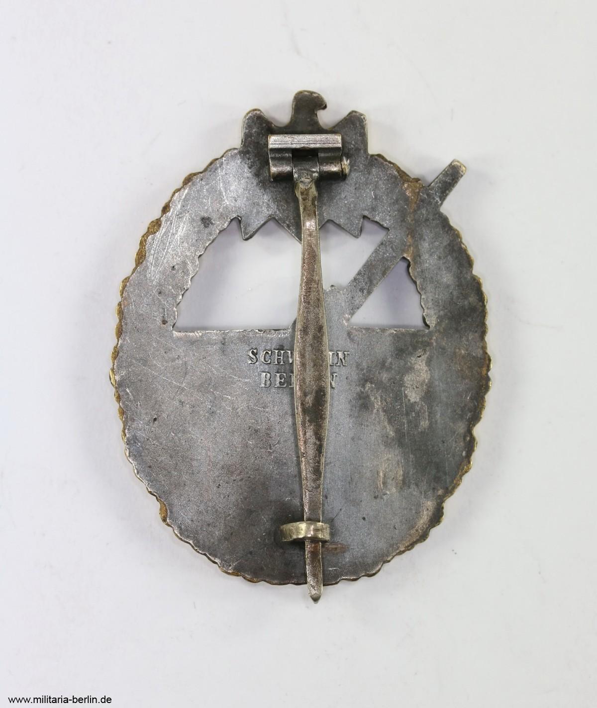 kriegsabzeichen-der-marine-artillerie-rückseite