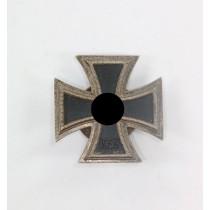 Eisernes Kreuz 1. Klasse 1939, Hst. L/10, an Schraubscheibe (!)
