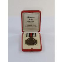 Ehrenkreuz für Frontkämpfer, im roten Etui - Treue um Treue