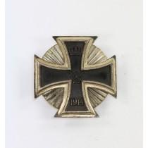 Eisernes Kreuz 1. Klasse 1914, in der Form von 1939, Deumer, Sternschraube