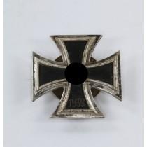Eisernes Kreuz 1. Klasse 1939, Hst. L55, an Schraubscheibe, nicht magnetisch