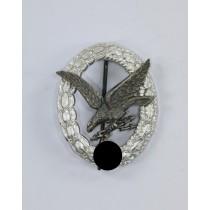 Fliegerschützenabzeichen der Luftwaffe mit Blitzbündel, Hst. A und D.R.G.M., Aluminium