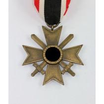 Kriegsverdienstkreuz 2. Klasse mit Schwertern, Buntmetall