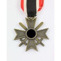 Kriegsverdienstkreuz 2. Klasse mit Schwertern, Hst. 15