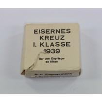 Umkarton Eisernes Kreuz 1. Klasse 1939, C.F. Zimmermann Ordensfabrik, Pforzheim