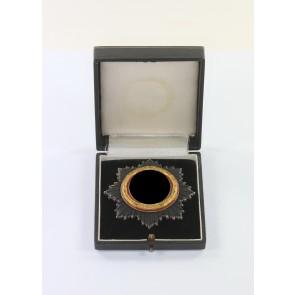 Deutsches Kreuz in Gold, Deschler (schwer) kurze Nadel, 6 Nieten, im kleinen Etui