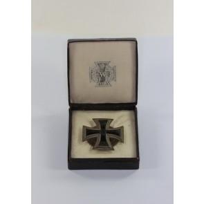 Eisernes Kreuz 1. Klasse 1914, Hst. KMST Silber (800), Patentverschluß (!), im Etui