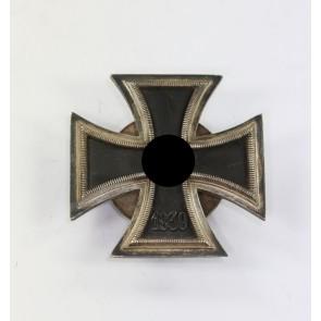 Eisernes Kreuz 1. Klasse 1939, Hst. L/16, an Schraubscheibe