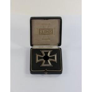 Eisernes Kreuz 1. Klasse 1939, Hst. L55, an Schraubscheibe, im LDO Etui