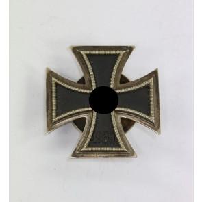 Eisernes Kreuz 1. Klasse 1939, Hst. L/57, an Schraubscheine, Variante (!)