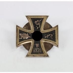 Eisernes Kreuz 1. Klasse 1939, Petz & Lorenz, an Scheibe und Mutter, nicht magnetisch