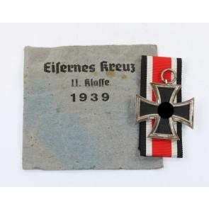 Eisernes Kreuz 2. Klasse 1939, Paulmann & Crone , nicht magnetisch (!), in Verleihungstüte