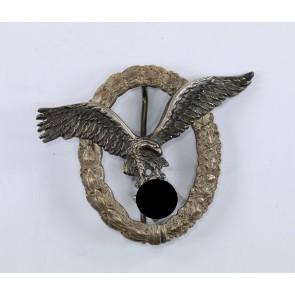 Flugzeugführerabzeichen der Luftwaffe, Hst. Juncker, 1. Modell (Ausschnitt)