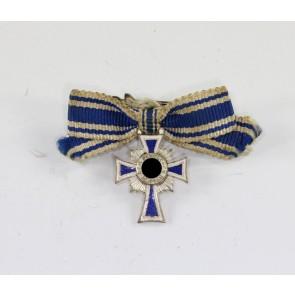 Miniatur Mutterkreuz in Silber an Schleife, Hst. L/15