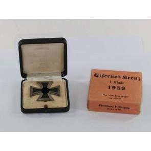 Eisernes Kreuz 1. Klasse 1939, Hst. L/19, im Etui mit Umkarton