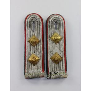 Luftwaffe, Paar Schulterklappen für einen Luftwaffen-Beamten im Rang eines Hauptmannes