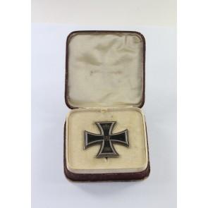 Eisernes Kreuz 1. Klasse 1914, Hst. G, graviert (!), im Schmucketui
