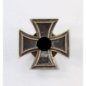 Eisernes Kreuz 1. Klasse 1939, Hst. L59, an Schraubscheibe, renazifiziert (!)