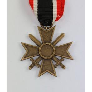 Kriegsverdienstkreuz 2. Klasse mit Schwertern, Audführung 1957, Steinhauer & Lück