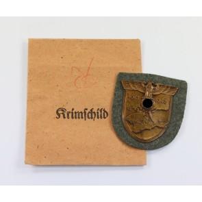 Krimschild auf Heeresstoff, in Verleihungstüte, Friedrich Orth