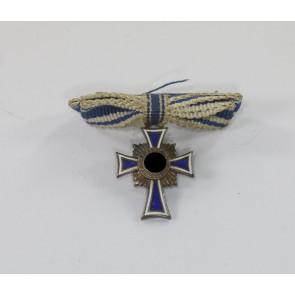 Miniatur Mutterkreuz in Silber an Schleife, Hst. L/13
