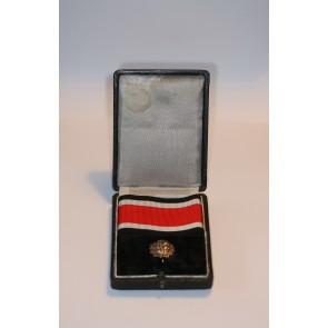 Eichenlaub zum Ritterkreuz des Eisernen Kreuzes, Hst. 21 900, im Etui