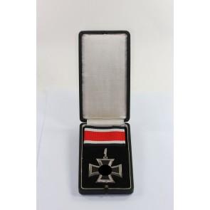 Ritterkreuz des Eisernen Kreuzes, Hst. 65 800, im Etui