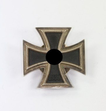 Eisernes Kreuz 1. Klasse 1939, Hst. L/10 (mikro), an Schraubscheibe (!) - Militaria-Berlin