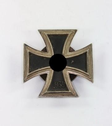 Eisernes Kreuz 1. Klasse 1939, an Schraubscheibe, Hst. L58, nicht magnetisch - Militaria-Berlin