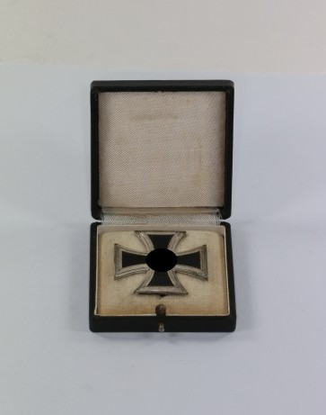 Eisernes Kreuz 1. Klasse 1939, Hst. L/52, im Etui - Militaria-Berlin