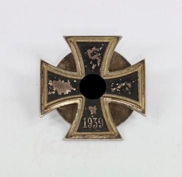 Eisernes Kreuz 1. Klasse 1939, Petz & Lorenz, an Scheibe und Mutter, nicht magnetisch - Militaria-Berlin
