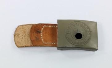 Wehrmacht Heer, Koppelschloss mit Lederlasche für Mannschaften, Hst. G.H. Osang - Militaria-Berlin