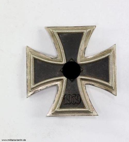 Eisernes-Kreuz-1-klasse-1939-Front