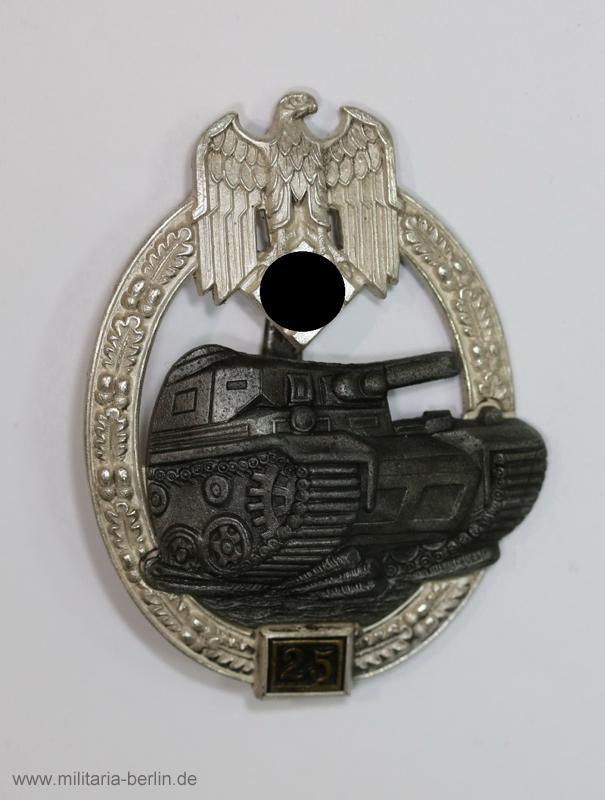 Panzerkampfabzeichen in Silber mit Einsatzzahl 25
