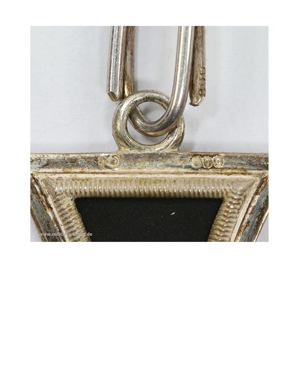 12 Ritterkreuz des Eisernen Kreuzes, Hersteller Juncker, liegende 2