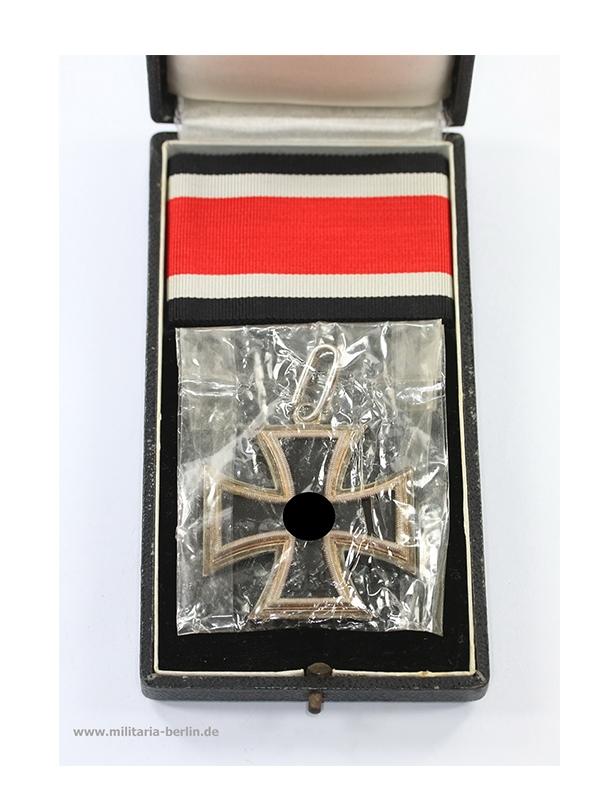 21 Ritterkreuz des Eisernen Kreuzes, Hersteller Juncker, liegende 2
